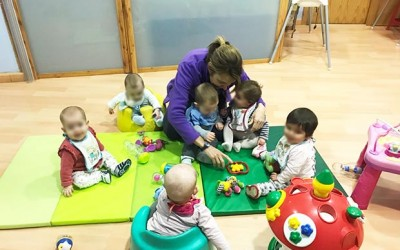 Estimulación sensorial en sala de bebés