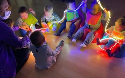 Juegos con luz para bebés